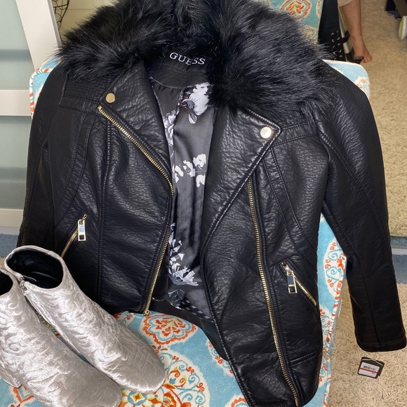 Guess Jackets & Blazers - GUESS FUR TRIMMED MOTORCYCLE JACKET XS